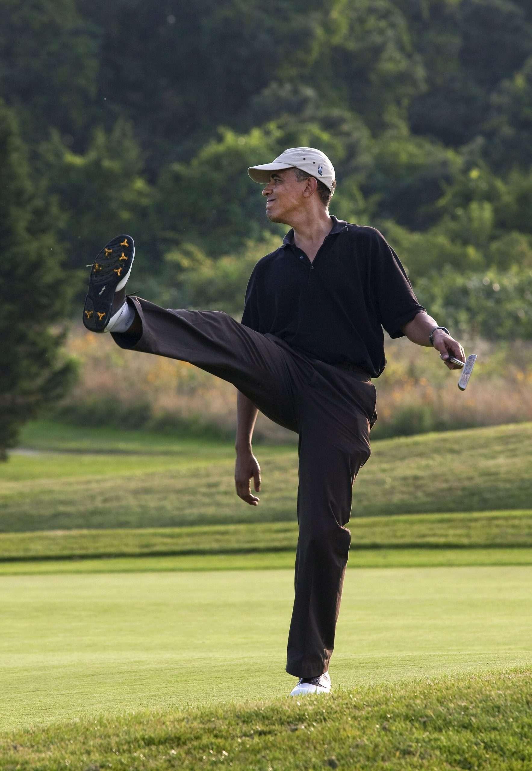 Barack Obama spielt Golf
